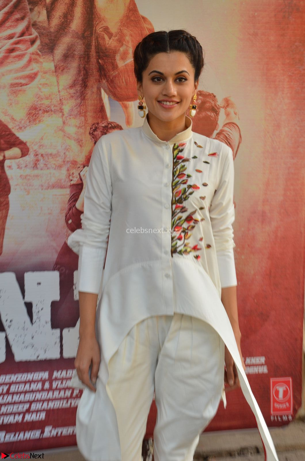 Taapsee Pannu Looks Super Cute in White Kurti and Trouser at Naam Shabana Press Meet 30th March 2017