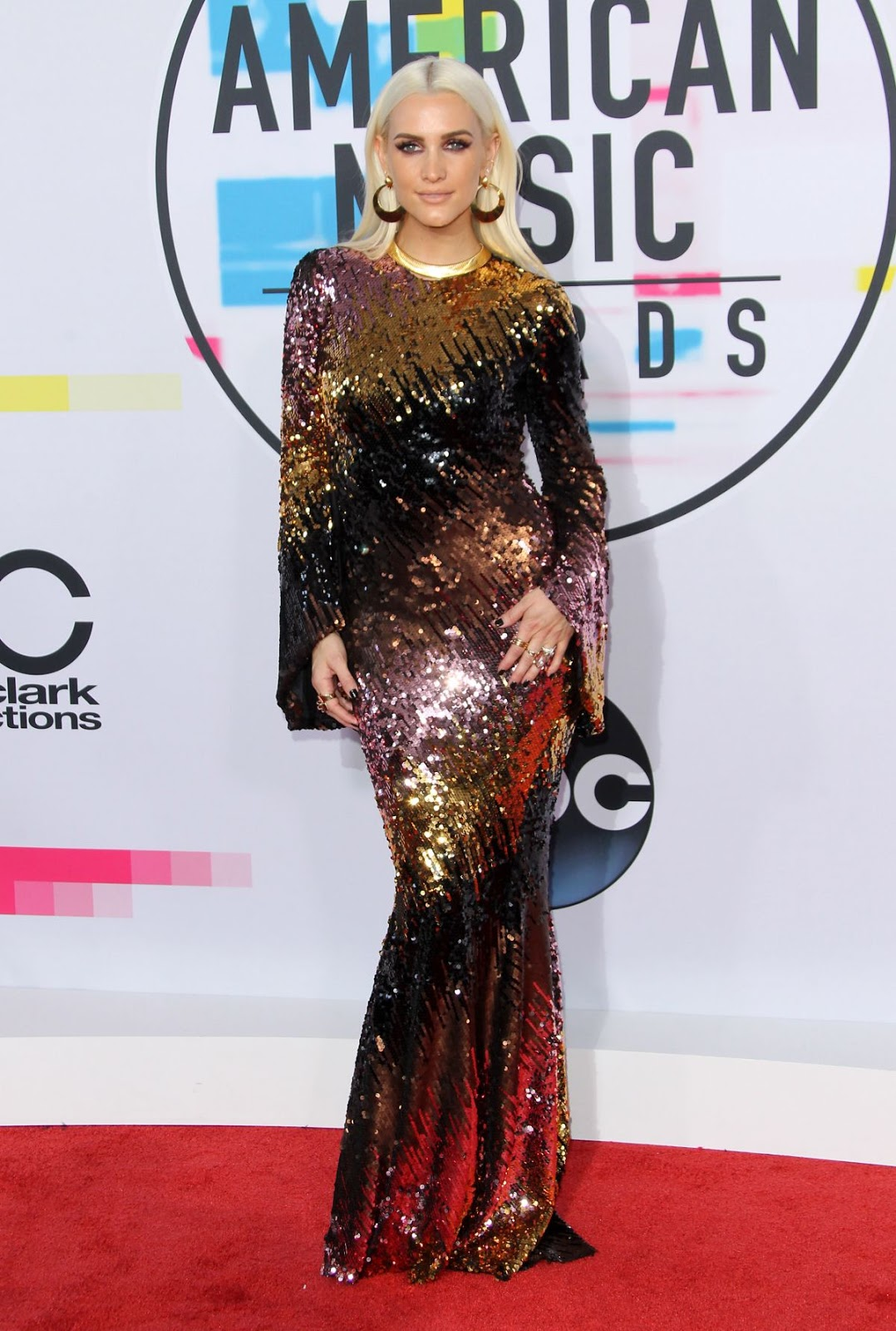 Photos of Ashlee Simpson at American Music Awards 2017 at Microsoft Theater in Los Angeles