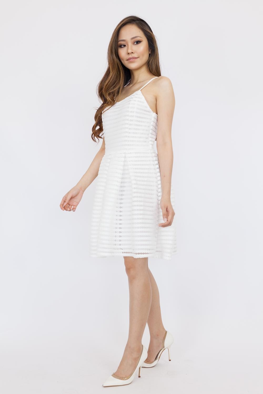 LD683 White