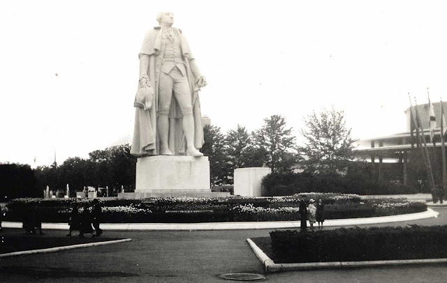 Statue of George Washington on the fairgrounds, on the 150th anniversary of his inauguration.