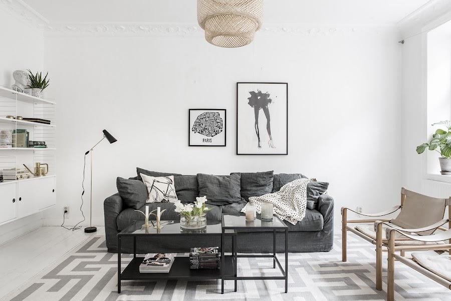 salon, estilo nordico, decoracion nordica, cuadros nordicos, laminas, sofa, gris, manta puntos, mesa centro, interiorismo, alquimia deco,