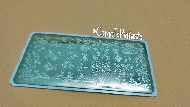 placa para stamping con diseños de calaveras y rosas alrededor