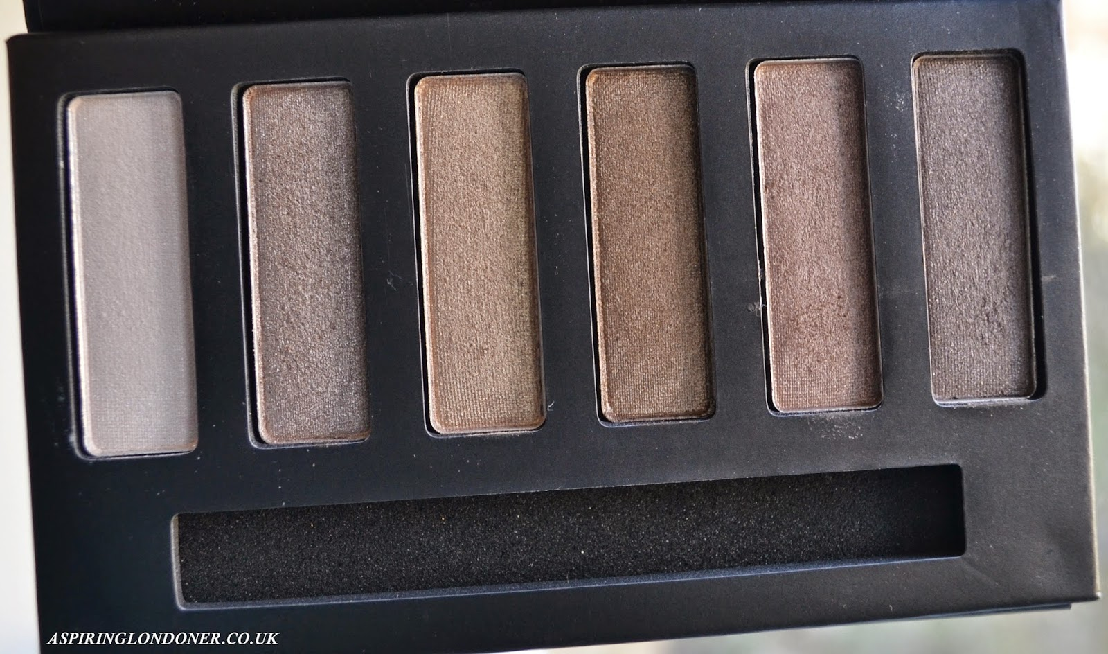 Collection Eyes Uncovered Nude Bronze Palette - Aspiring Londoner