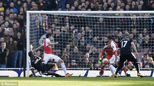 Arsenal vs Watford 1-2 Video Gol