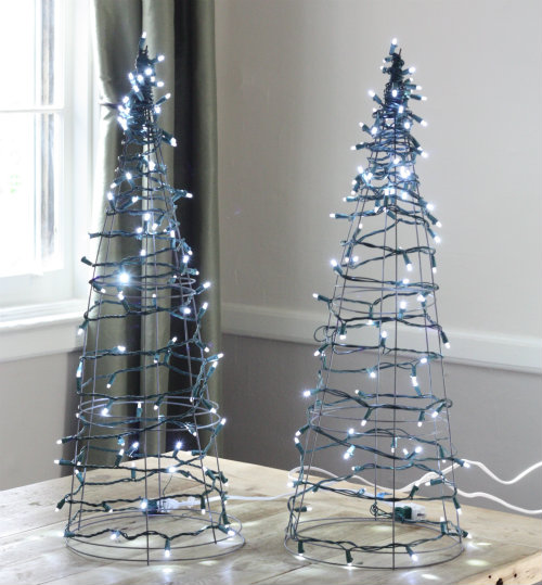 tomato cages christmas tree