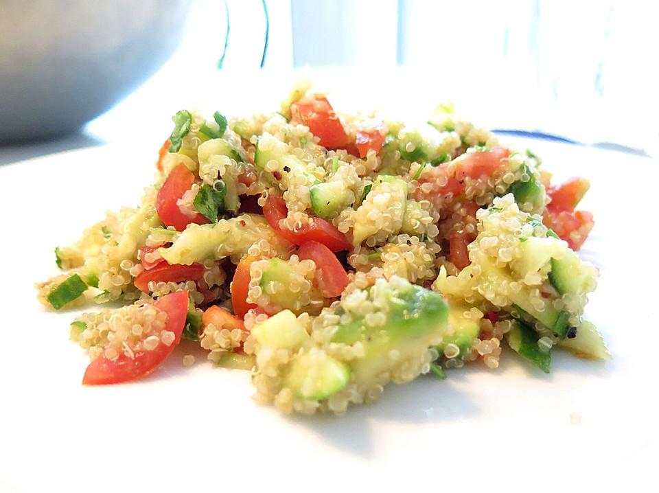 tolle rezepte quinoa powersalat mit tomaten und avocado gesund und auch noch lecker. Black Bedroom Furniture Sets. Home Design Ideas