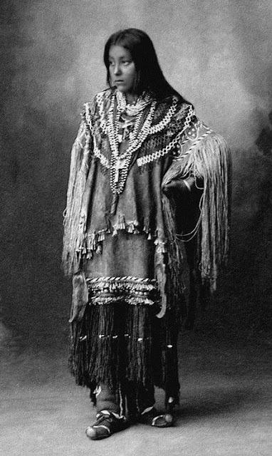 foto wanita cantik jaman dahulu kala
