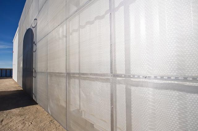 Modular Shipping Container Home in Mojave Desert, California 9