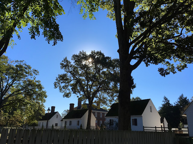 Outbuildings of the George Wythe House in Colonial Williamsburg via foobella.blogspot.com