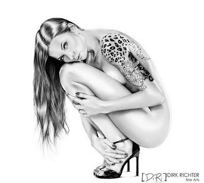 dibujo a lapiz de mujer sexi bonita