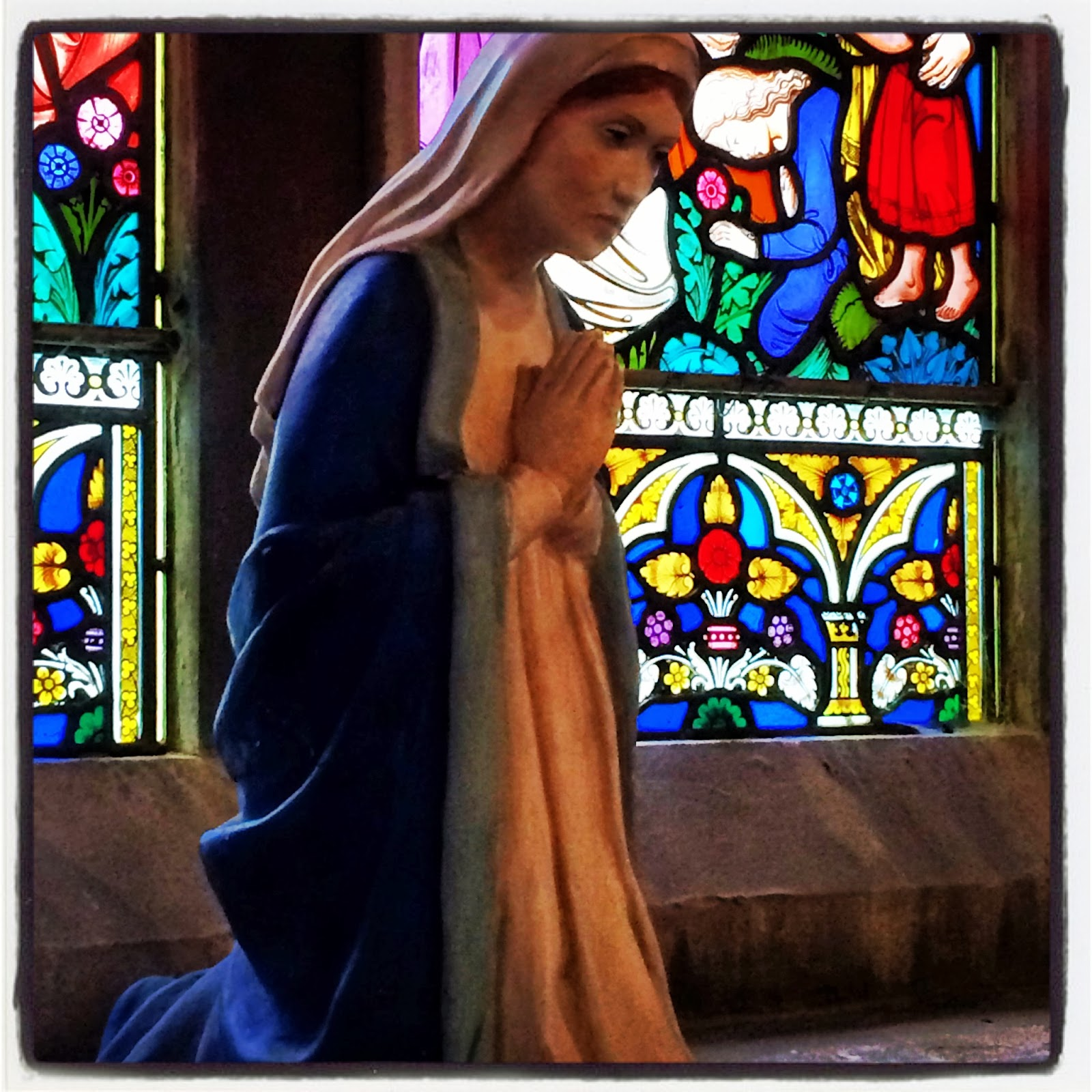 Virgin Mary statue in English Church