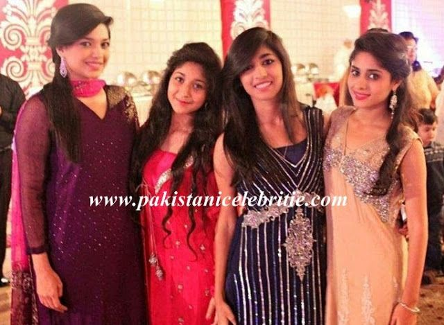 Sanam Jung With Her Sisters