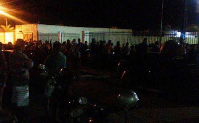 Em Morro do Chapéu, população invade delegacia e mata suspeito de assassinar jovem de 15 anos
