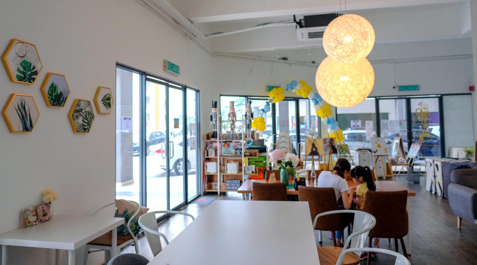 haru cafe gallery, happy garden