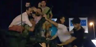 Angry Turks Drag Tank Commander Out Of Turret And Beat Him As Military Coup Leaves Country In Chaos