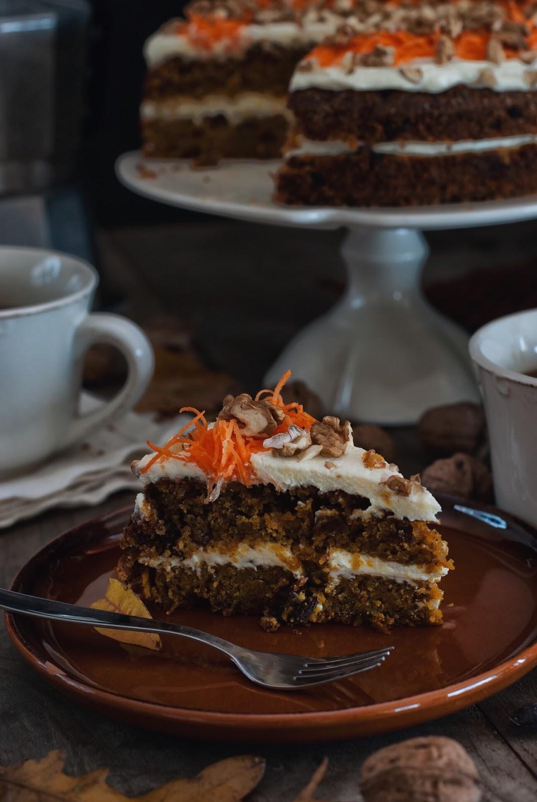 Bezglutenowe ciasto marchewkowe z twarożkiem