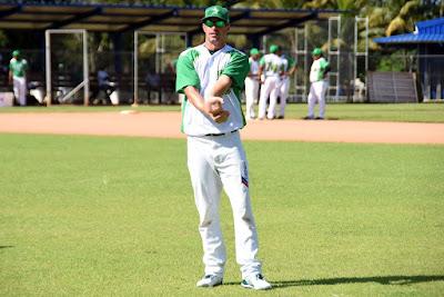 Evan MacLane se reporta a entrenamientos de Estrellas Orientales