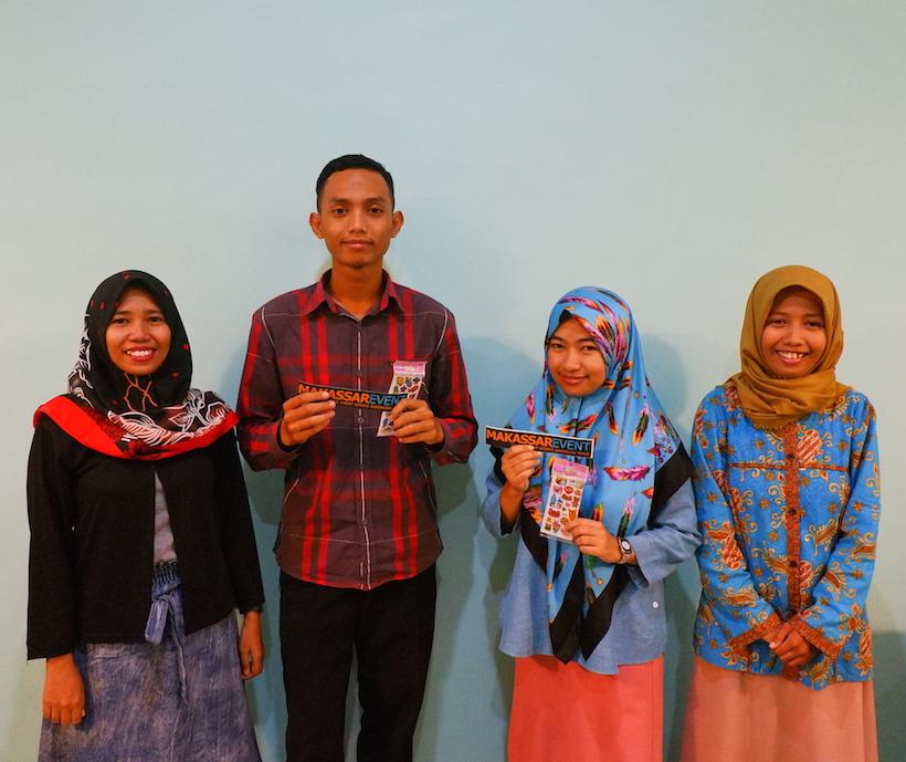 Penerimaan Hadiah Kecil dari Makassar Event Untuk Peserta