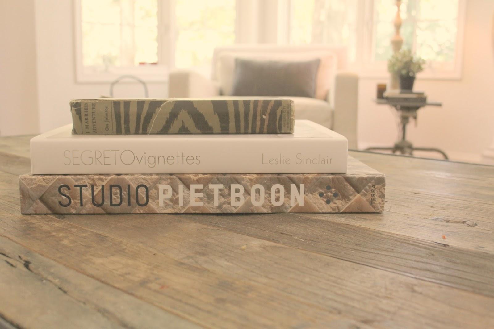 Books: Segreto Vignettes {Leslie Sinclair}