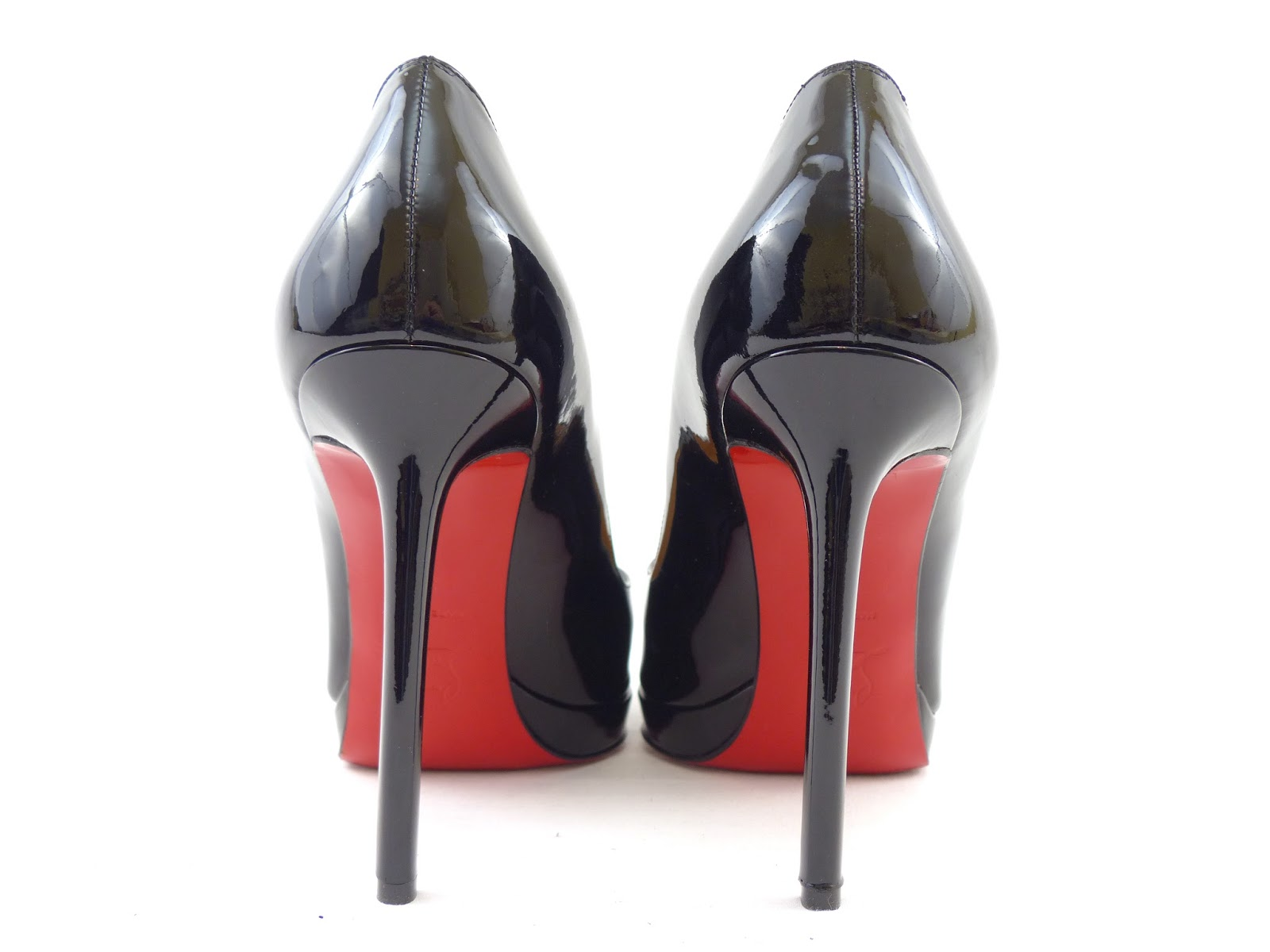 832d39913b59 (Above - Christian Louboutin heel stitching from an authentic pair of