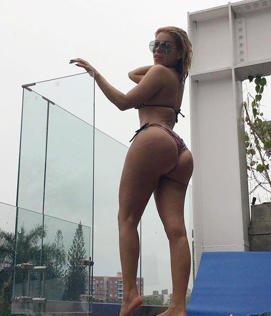 Fitness Model Julie Curvy J @curvy_j Instagram photos