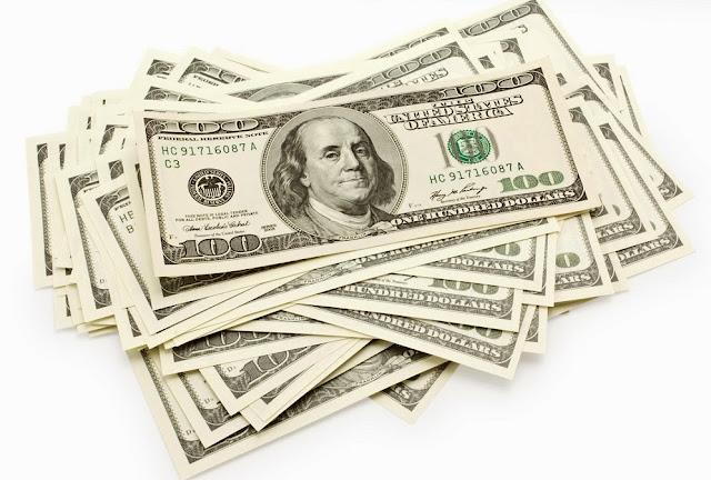 Dinero en efectivo o dólar en mano