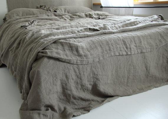 Moon to Moon: Etsy Focus: Linen Bedding