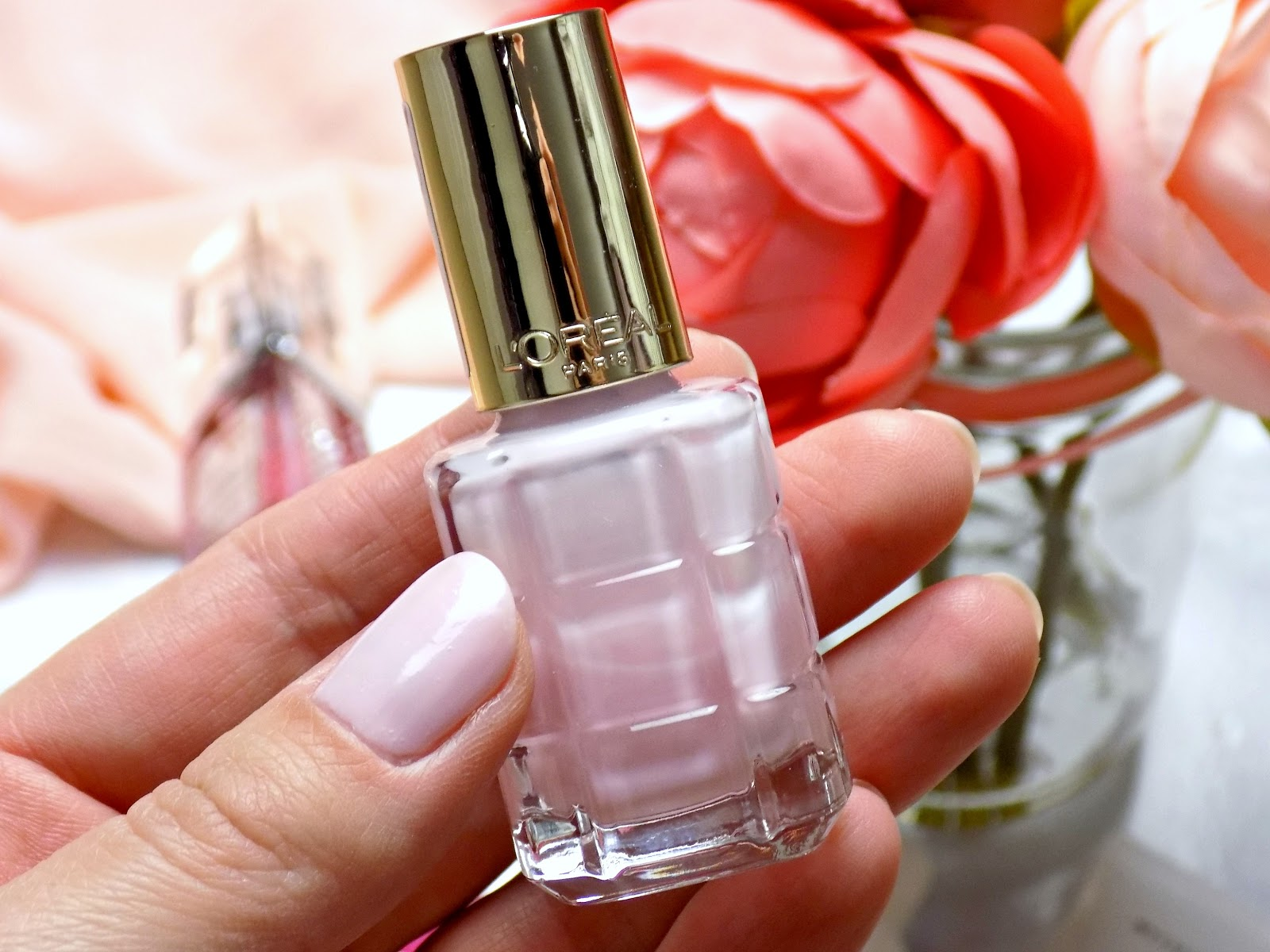 L'oreal nail polish shade 220