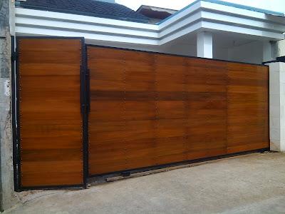 Jasa pemasangan pintu kayu kombinasi Besi Di jakarta