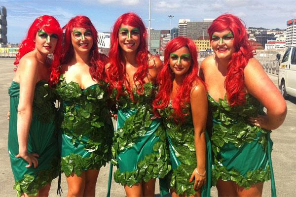 poison ivy cosplay group of girls
