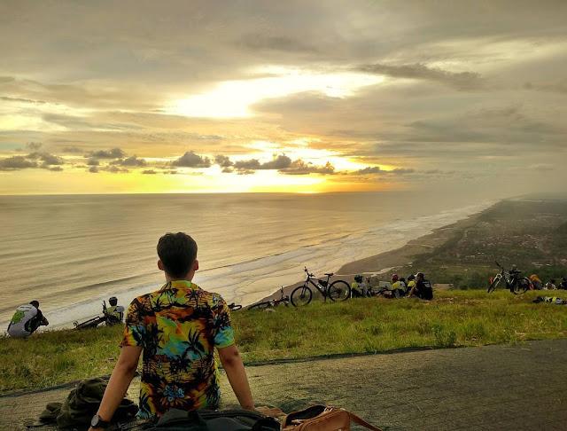 Perbukitan Paralayang Parang Endog Yogyakarta