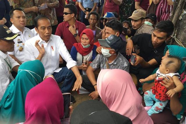 Jokowi Janjikan Rumah bagi Korban Tsunami Lampung, Netizen: Lombok Palu Apa Kabar?