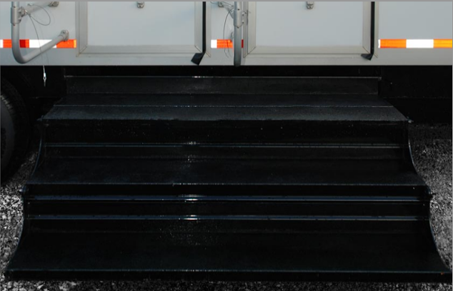 Wide, non-slip floating staircase