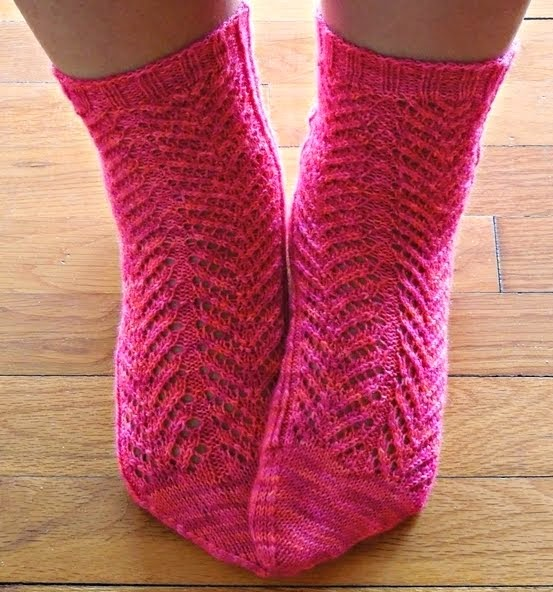 Fraoula lace ankle socks - Buy through Ravelry  //  καλτσες φραουλα με δαντελα - αγορα μεσω ravelry