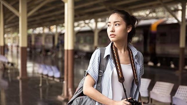 Ingin Wajah Bebas Jerawat Saat Traveling? Yuk, Ikuti 5 Tips Berikut Ini!