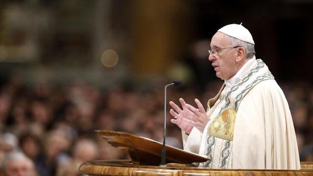 El papa Francisco tacha de vergüenza llamar 'madre' a una bomba