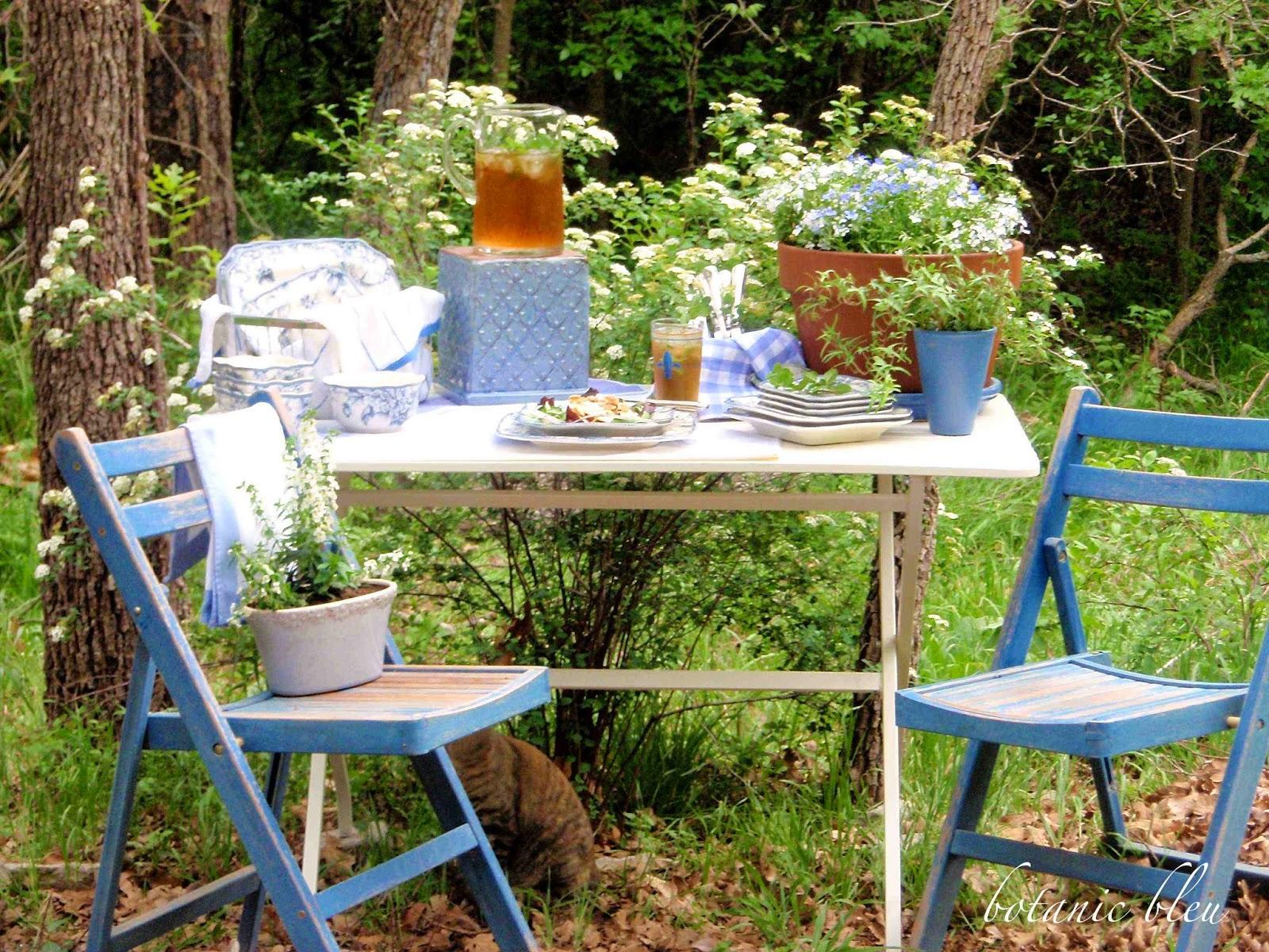 Botanic Bleu Spirea Garden Party French Style