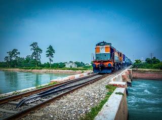 रेलवे भर्ती सेल (आरआरसी) ने भारतीय रेलवे की विभिन्न इकाइयों में 7वीं सीपीसी पे मैट्रिक्स के 103769 लेवल 1 (ग्रुप D) की भर्ती के लिए नोटिफिकेशन जारी किया है