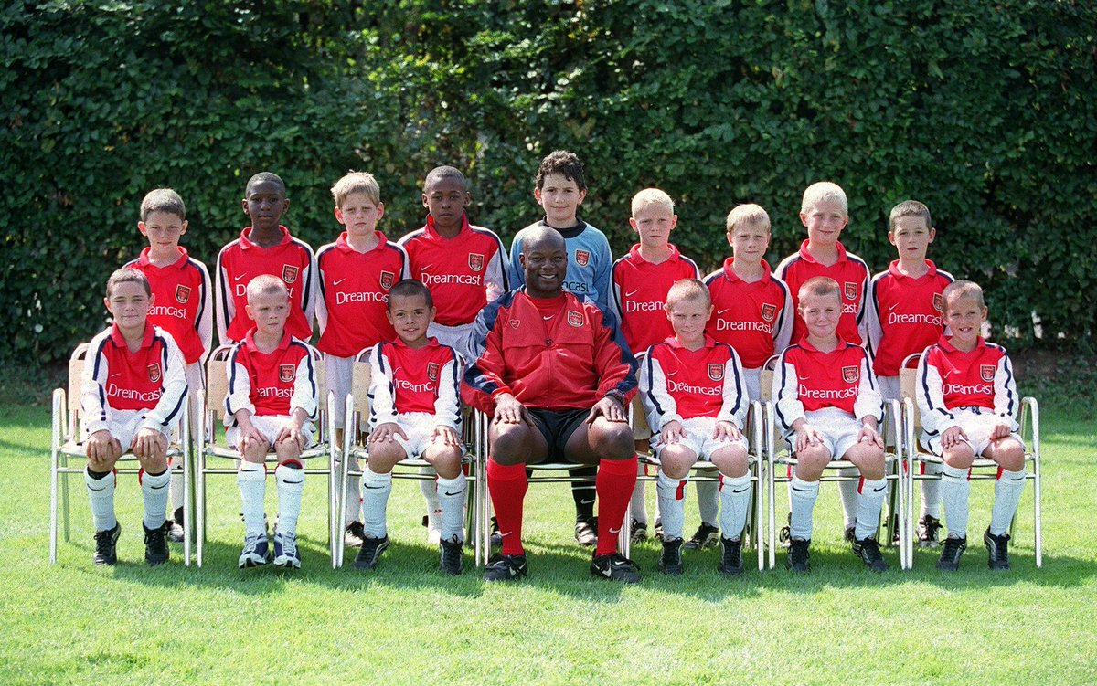 The Arsenal 2000/01 Under-9 squad, including Premier League players Benik Afobe and Harry Kane