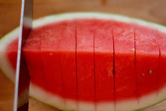 Easy way to cut a watermelon into cubes