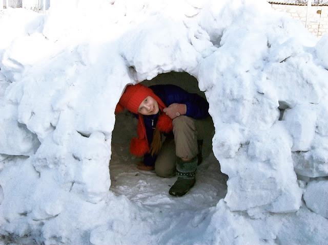 пещера из снега