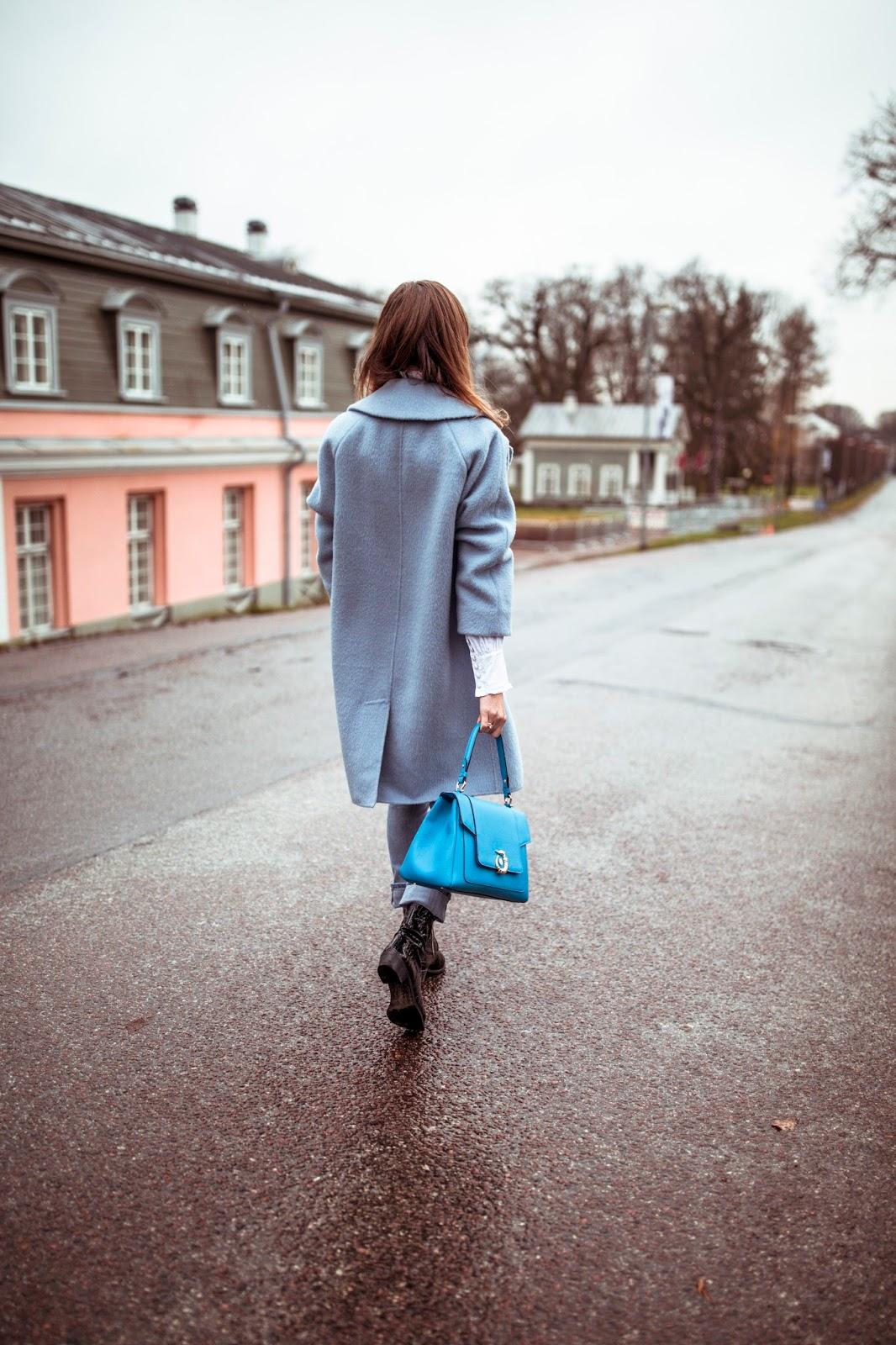 blue oversized coat street style