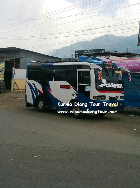 Foto mini bus wisata di dieng wonosobo