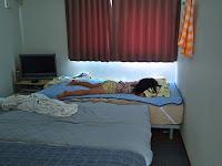 早速アワーグラスアールグレイで昼寝をする娘