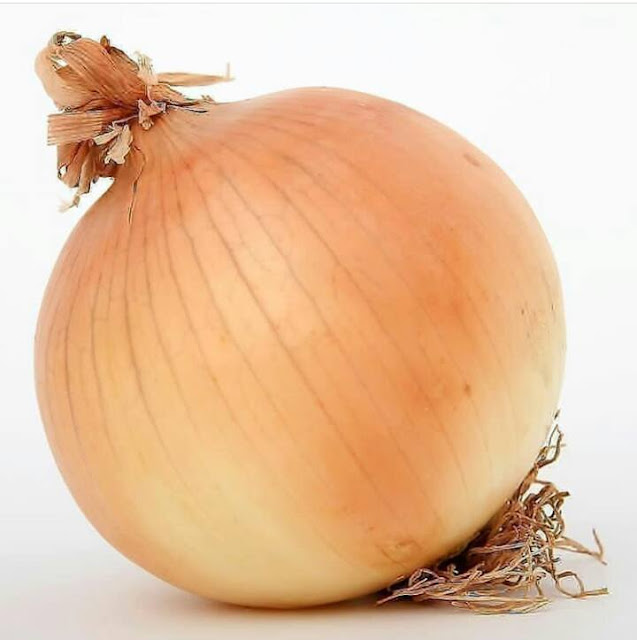 Onions: Health benefits, nutrition value & risk