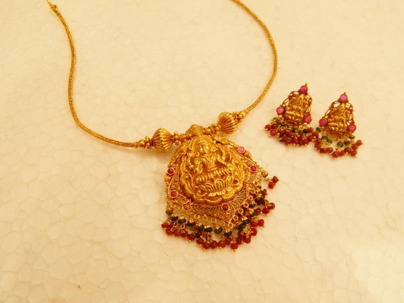 Indian Jewellery And Clothing Divine Temple Jewellery