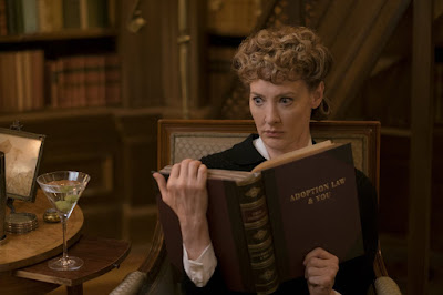 Lemony Snicket's A Series of Unfortunate Events Netflix Joan Cusack Image (16)
