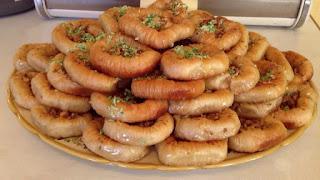 طريقة عمل حلويات يمكن تقديمها في المناسبات الهامة كالأعراس من حلويات فاقوس