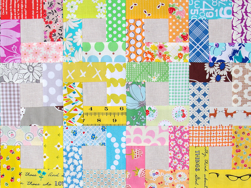 Bright Hopes Quilt - Color My World - tutorial available | © Red Pepper Quilts 2018 #scrapquilt #quiltblocktutorial #patchwork