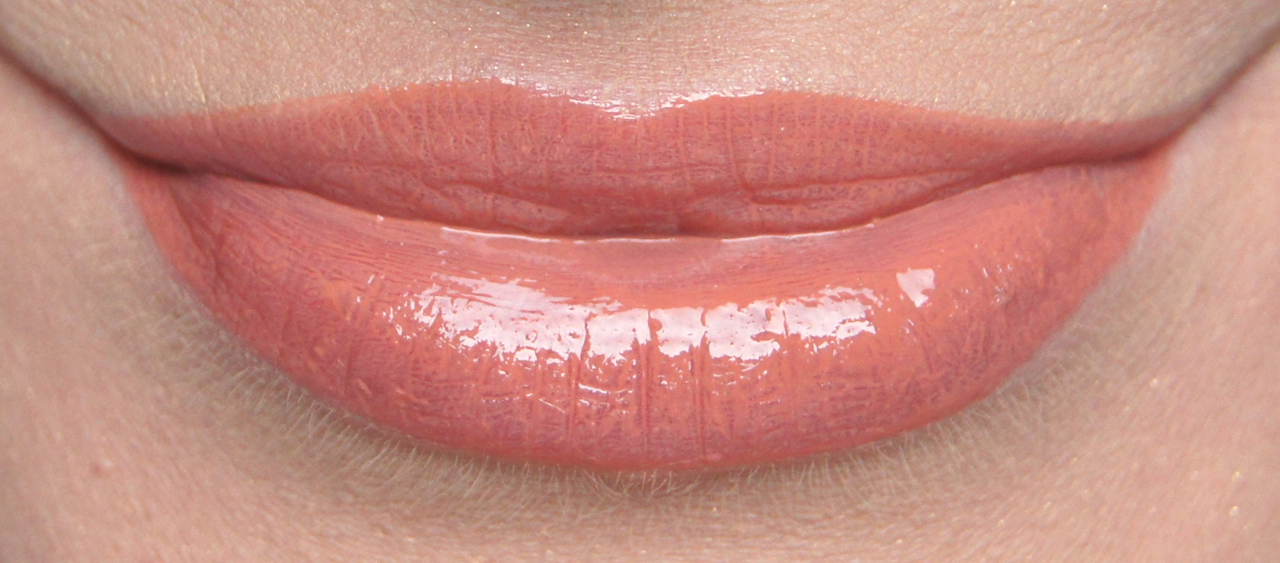 dior addict fluid stick 219 whisper beige swatch muted peachy nude lacquer